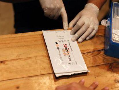 El VIH crece un 174% en Filipinas, un país en el que sigue siendo un tabú comprar un condón. Se registran más de 40 nuevos casos diarios, el 84% en hombres homosexuales o bisexuales