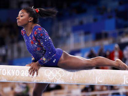 La gimnasta estadounidense Simone Biles en los Juegos Olímpicos de Tokio 2020