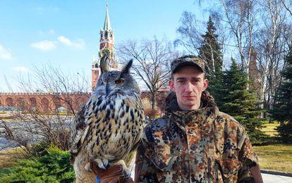 Filya y el adiestrador en el Kremlin.