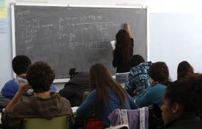 Clase de primero de bachillerato en el IES La Ribera, en Montcada i Reixach, Barcelona