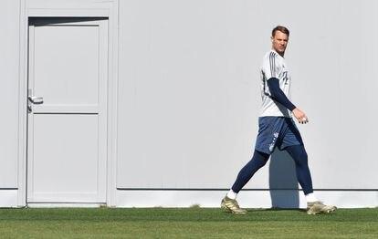 Manuel Neuer, capitán del Bayern, en su regreso a los entrenamientos, el 16 de abril.