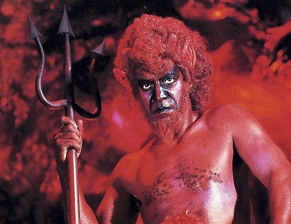 Bill Cosby disfrutando de su propio infierno en la comedia satánica 'El diablo y Max Devlin' (1981).
