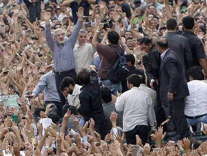 El líder reformista Mir Hosein Musaví en 2009 durante una manifestación en Teherán.