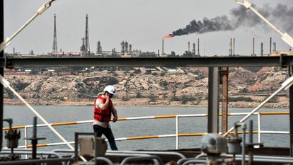 Imagen del pozo petrolero de la isla de Kharg en la costa de Irán.