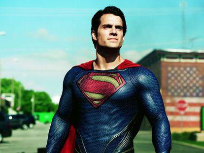 Henry Cavill encarna en esta ocasión al superhéroe en 'El hombre de acero'.