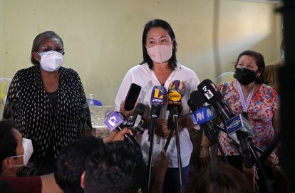 Keiko Fujimori, candidata presidencial en Perú, en conferencia de prensa el 16 de abril.