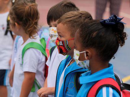 Alumnos de Infantil y Primaria de Canarias vuelven a las aulas.