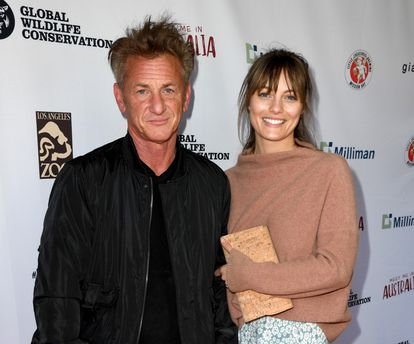 "LOS ANGELES, CALIFORNIA - MARCH 08: Sean Penn (L) and Leila George arrive at the ""Meet Me In Australia"" event benefiting Australia Wildfire Relief Efforts at Los Angeles Zoo on March 08, 2020 in Los Angeles, California.   Kevin Winter/Getty Images/AFP == FOR NEWSPAPERS, INTERNET, TELCOS & TELEVISION USE ONLY =="
