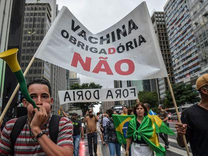 Una manifestación en contra de la vacuna para la covid-19 en São Paulo.