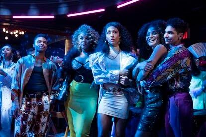 Dyllón Burnside, Hailie Sahar, Mj Rodriguez, Indya Moore y Angel Bismark Curiel, en el primer episodio de la tercera temporada de 'Pose'.