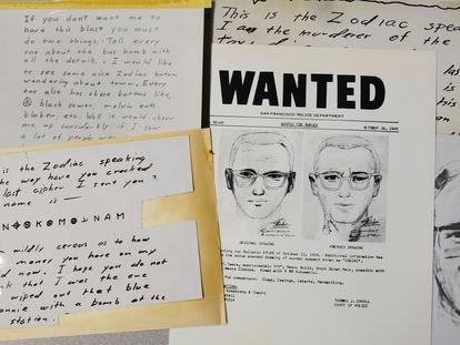 Cartas y retrato robot de Zodiac, en una imagen tomada en 2018.