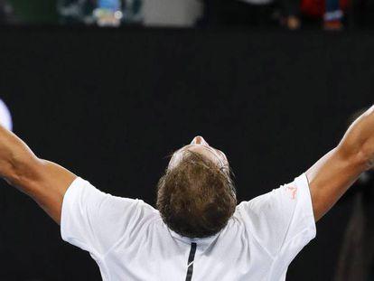Nadal celebra su victoria ante Raonic.