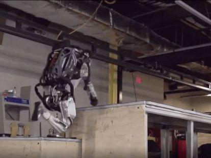 En vídeo, ¿los robots pueden llegan a hacer 'parkour'?