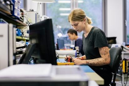 En España, casi la mitad de los nuevos empleos generados este año tendrán relación con el entorno digital.