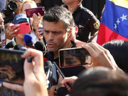 Un tribunal de Caracas pide al servicio de inteligencia la aprehensión del político