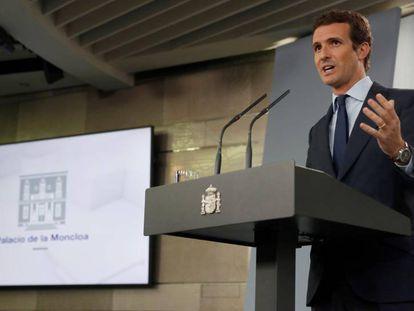 El líder del PP, Pablo Casado, durante la rueda de prensa tras la reunión con Pedro Sánchez.