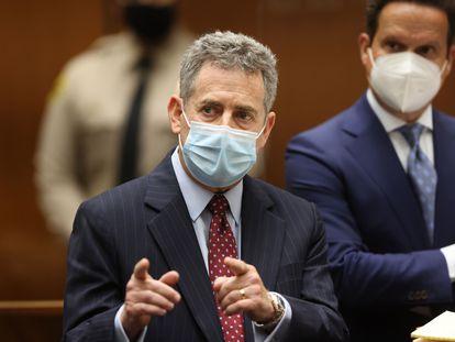 Mark Werksman, el abogado de Harvey Weinstein, habla ante el juez este miércoles en Los Ángeles.