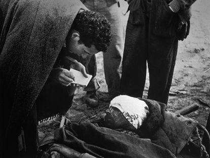 Imagen captada por Robert Capa en el frente del Segre en 1938.
