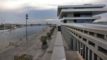 El edificio Veles e Vents, en el Puerto de Valencia.