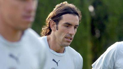 Robert Pires, en una imagen de archivo, durante un entrenamiento con Francia.