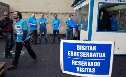 Trabajadores de Edesa en las primeras horas de su encierro.