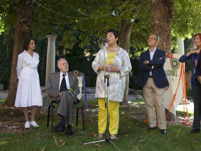Eduardo Arroyo y la alcaldesa de Segovia, Clara Luquero, inauguran el Hay Festival.