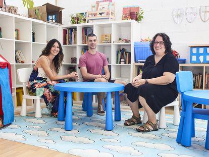 De izquierda a derecha, Sara Molina, Carlos Rodríguez y Silvia García, miembros del equipo de Casa Verde.
