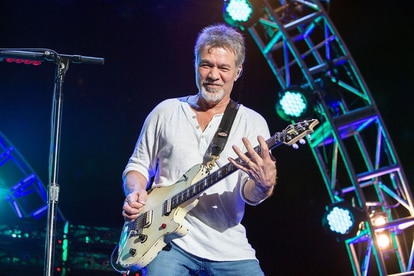 Eddie Van Halen en 2015, en una de sus últimas actuaciones, en Chula Vista, California. DANIEL KNIGHTON