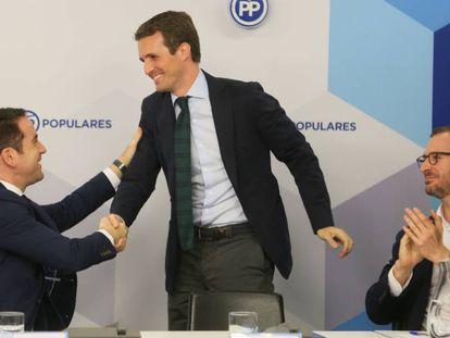 Pablo Casado (c), juntoTeodoro García (i) y Javier Moroto (d). En vídeo, la Fiscalía no ve indicios para seguir investigando a Pablo Casado (ATLAS)