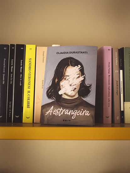 Su libro en portugués.