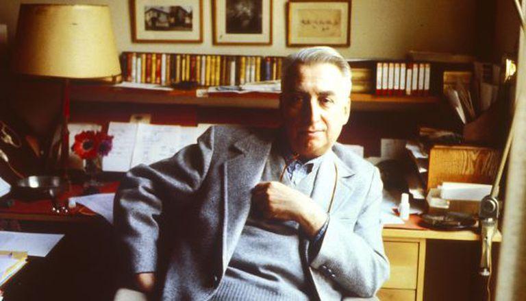 El pensador Roland Barthes.