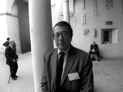 Vicente Lleó, catedrático de Historia del Arte de la Universidad de Sevilla, en 1999.