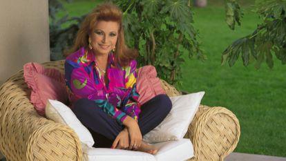 La cantante Rocío Jurado, fotografiada en su casa de La Moraleja (Madrid).