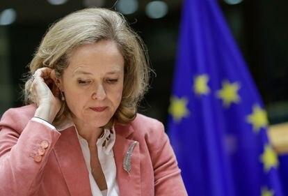 La ministra española de Economía, Nadia Calviño, durante una reunión del Comité de Asuntos Económicos y Monetarios celebrada en el Parlamento Europeo en Bruselas (Bélgica), el pasado martes.
