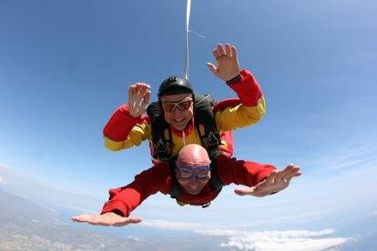 """""""La foto es sobre la bahía de Roses (Girona). Fue mi primera vez lanzándome en paracaídas"""", explica Nonay. No sería la última: también ha hecho parapente en Castejón de Sos (Teruel) o en Costa Adeje (Tenerife)."""