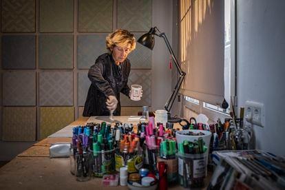 La artista Soledad Sevilla, Premio Velázquez de Artes Plásticas 2020, en su casa-estudio en Madrid.