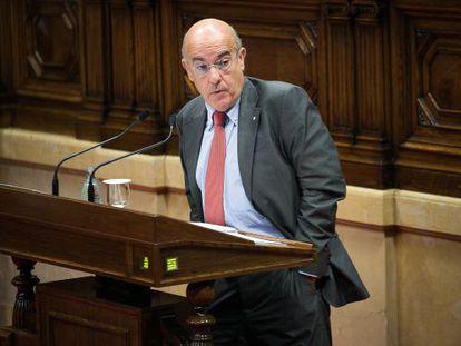 El consejero de Salud, Boi Ruiz, en el Parlament.
