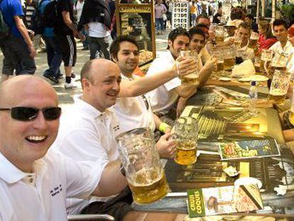 Las agencias de viajes de Madrid colaborarán con el Ayuntamiento en la denuncia y persecución de las fiestas más ruidosas