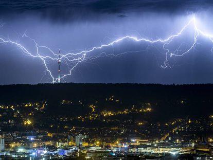 Descarga de rayos sobre la ciudad alemana de Stuttgart el pasado verano.