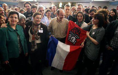 Alfredo Pérez Rubalcaba celebra en Ferraz la victoria del socialista Hollande.