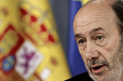 Alfredo Pérez Rubalcaba, durante la rueda de prensa de un Consejo de Ministros.