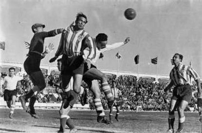 Imágen del Atlético de Tetuán-Santander (5-1), en 1952.