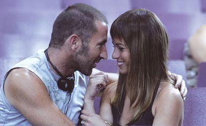Antonio de la Torre y Marta Etura, en 'Azuloscurocasinegro'.