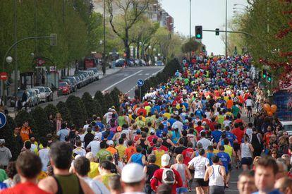 Un momento del recorrido de la maratón de Madrid.