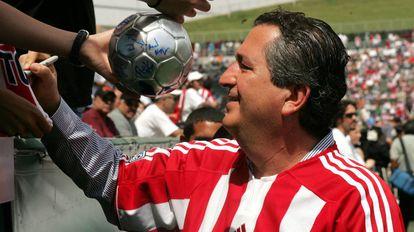El empresario Jorge Vergara, en un partido de Chivas.