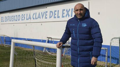Abelardo, en 2018 como técnico del Alavés.