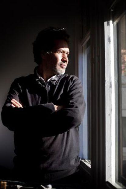 El escritor colombiano Sergio Álvarez.