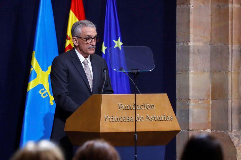 El doctor José Eugenio Guerrero Sanz, en representación de los sanitarios y familiares de personal sanitario que tuvieron que hacer frente a la COVID-19 y que este viernes han recibido el Premio Princesa de Asturias.