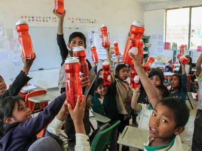 Proyecto para llevar agua segura a escuelas rurales de México.