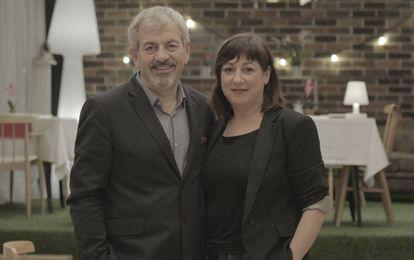 Carlos Sobera y Yolanda Martín, presentador y directora de 'First Dates'.